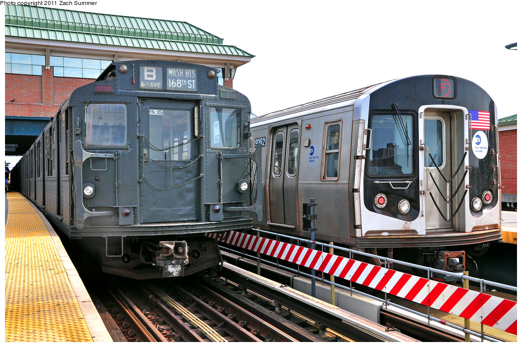 (441k, 1044x694)<br><b>Country:</b> United States<br><b>City:</b> New York<br><b>System:</b> New York City Transit<br><b>Location:</b> Coney Island/Stillwell Avenue<br><b>Route:</b> Transit Museum Nostalgia Train<br><b>Car:</b> R-1 (American Car & Foundry, 1930-1931) 381 <br><b>Photo by:</b> Zach Summer<br><b>Date:</b> 7/23/2011<br><b>Notes:</b> With R160A 9252 on the F<br><b>Viewed (this week/total):</b> 5 / 558
