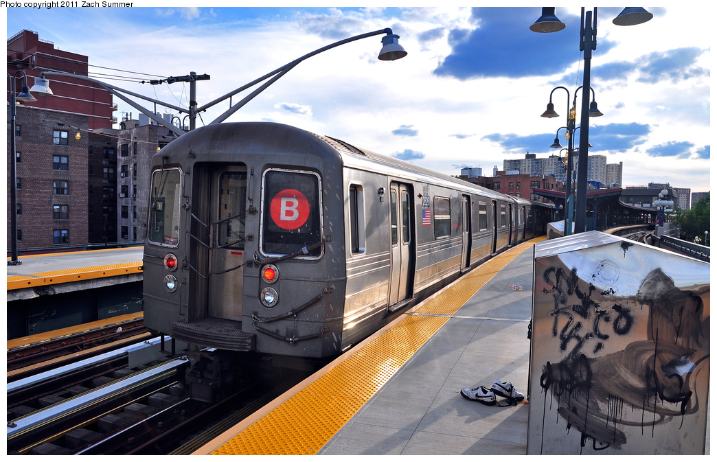 (396k, 1044x673)<br><b>Country:</b> United States<br><b>City:</b> New York<br><b>System:</b> New York City Transit<br><b>Line:</b> BMT Brighton Line<br><b>Location:</b> Ocean Parkway <br><b>Route:</b> B Yard Move<br><b>Car:</b> R-68 (Westinghouse-Amrail, 1986-1988)  2826 <br><b>Photo by:</b> Zach Summer<br><b>Date:</b> 7/27/2011<br><b>Viewed (this week/total):</b> 2 / 590