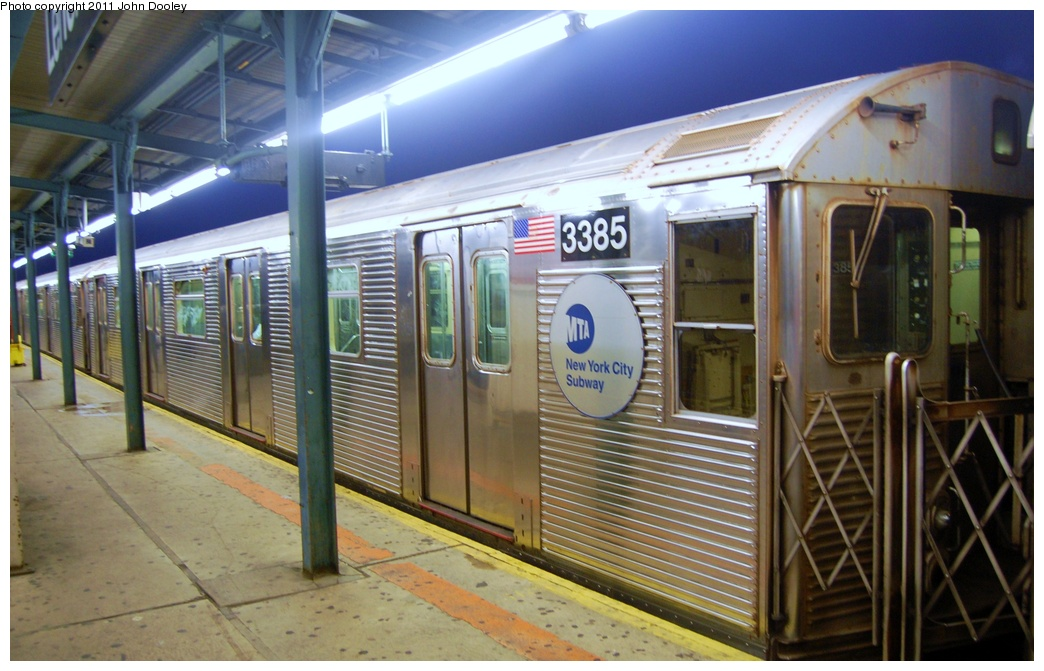 (297k, 1044x671)<br><b>Country:</b> United States<br><b>City:</b> New York<br><b>System:</b> New York City Transit<br><b>Line:</b> IND Fulton Street Line<br><b>Location:</b> Lefferts Boulevard <br><b>Route:</b> A<br><b>Car:</b> R-32 (Budd, 1964)  3385 <br><b>Photo by:</b> John Dooley<br><b>Date:</b> 7/29/2011<br><b>Viewed (this week/total):</b> 0 / 454
