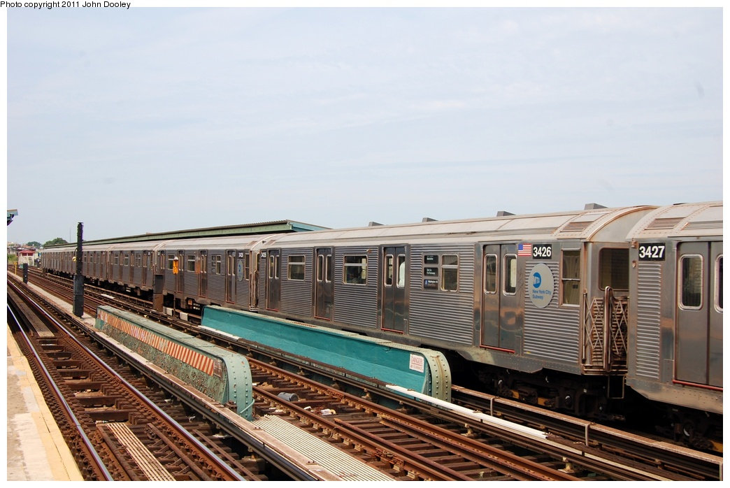 (293k, 1044x698)<br><b>Country:</b> United States<br><b>City:</b> New York<br><b>System:</b> New York City Transit<br><b>Line:</b> IND Fulton Street Line<br><b>Location:</b> 80th Street/Hudson Street <br><b>Route:</b> A<br><b>Car:</b> R-32 (Budd, 1964)  3426 <br><b>Photo by:</b> John Dooley<br><b>Date:</b> 7/23/2011<br><b>Viewed (this week/total):</b> 0 / 310