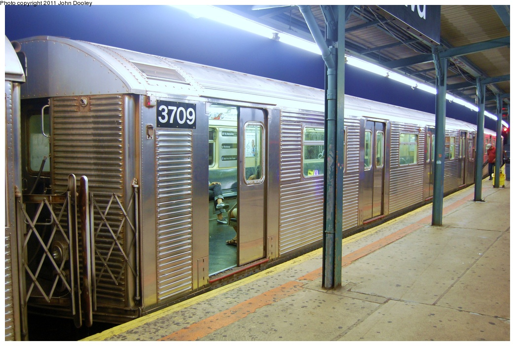 (331k, 1044x701)<br><b>Country:</b> United States<br><b>City:</b> New York<br><b>System:</b> New York City Transit<br><b>Line:</b> IND Fulton Street Line<br><b>Location:</b> Lefferts Boulevard <br><b>Route:</b> A<br><b>Car:</b> R-32 (Budd, 1964)  3709 <br><b>Photo by:</b> John Dooley<br><b>Date:</b> 7/29/2011<br><b>Viewed (this week/total):</b> 3 / 209