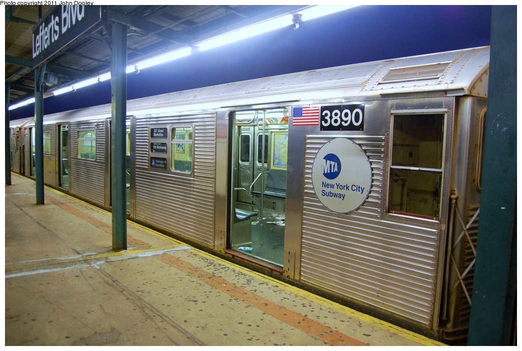 (334k, 1044x701)<br><b>Country:</b> United States<br><b>City:</b> New York<br><b>System:</b> New York City Transit<br><b>Line:</b> IND Fulton Street Line<br><b>Location:</b> Lefferts Boulevard <br><b>Route:</b> A<br><b>Car:</b> R-32 (Budd, 1964)  3890 <br><b>Photo by:</b> John Dooley<br><b>Date:</b> 7/29/2011<br><b>Viewed (this week/total):</b> 6 / 247