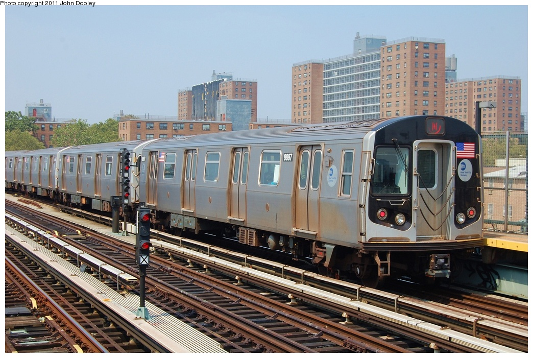 (365k, 1044x701)<br><b>Country:</b> United States<br><b>City:</b> New York<br><b>System:</b> New York City Transit<br><b>Line:</b> BMT West End Line<br><b>Location:</b> Bay 50th Street <br><b>Route:</b> N<br><b>Car:</b> R-160B (Kawasaki, 2005-2008)  8887 <br><b>Photo by:</b> John Dooley<br><b>Date:</b> 7/20/2011<br><b>Viewed (this week/total):</b> 2 / 386