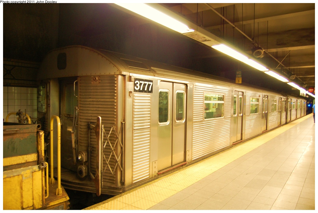 (277k, 1044x701)<br><b>Country:</b> United States<br><b>City:</b> New York<br><b>System:</b> New York City Transit<br><b>Line:</b> BMT 4th Avenue<br><b>Location:</b> Pacific Street <br><b>Route:</b> Work Service<br><b>Car:</b> R-32 (Budd, 1964)  3777 <br><b>Photo by:</b> John Dooley<br><b>Date:</b> 7/7/2011<br><b>Notes:</b> Mismated pair in work service.<br><b>Viewed (this week/total):</b> 0 / 349