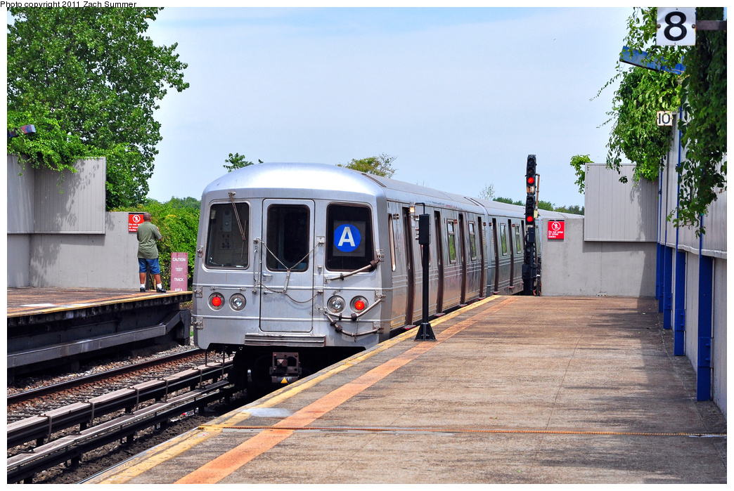 (447k, 1044x699)<br><b>Country:</b> United States<br><b>City:</b> New York<br><b>System:</b> New York City Transit<br><b>Line:</b> IND Rockaway<br><b>Location:</b> Broad Channel <br><b>Route:</b> A<br><b>Car:</b> R-46 (Pullman-Standard, 1974-75) 5836 <br><b>Photo by:</b> Zach Summer<br><b>Date:</b> 7/28/2011<br><b>Viewed (this week/total):</b> 0 / 273