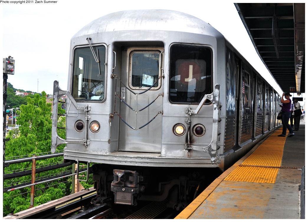 (412k, 1044x753)<br><b>Country:</b> United States<br><b>City:</b> New York<br><b>System:</b> New York City Transit<br><b>Line:</b> BMT Nassau Street/Jamaica Line<br><b>Location:</b> Alabama Avenue <br><b>Route:</b> J<br><b>Car:</b> R-42 (St. Louis, 1969-1970)  4807 <br><b>Photo by:</b> Zach Summer<br><b>Date:</b> 7/28/2011<br><b>Viewed (this week/total):</b> 0 / 527