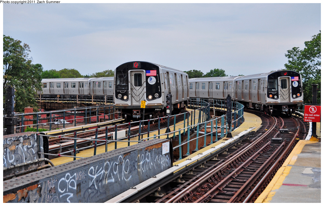 (414k, 1044x665)<br><b>Country:</b> United States<br><b>City:</b> New York<br><b>System:</b> New York City Transit<br><b>Line:</b> BMT Nassau Street/Jamaica Line<br><b>Location:</b> Cypress Hills <br><b>Route:</b> J<br><b>Car:</b> R-160A-1 (Alstom, 2005-2008, 4 car sets)  8509/8561 <br><b>Photo by:</b> Zach Summer<br><b>Date:</b> 7/28/2011<br><b>Viewed (this week/total):</b> 4 / 537