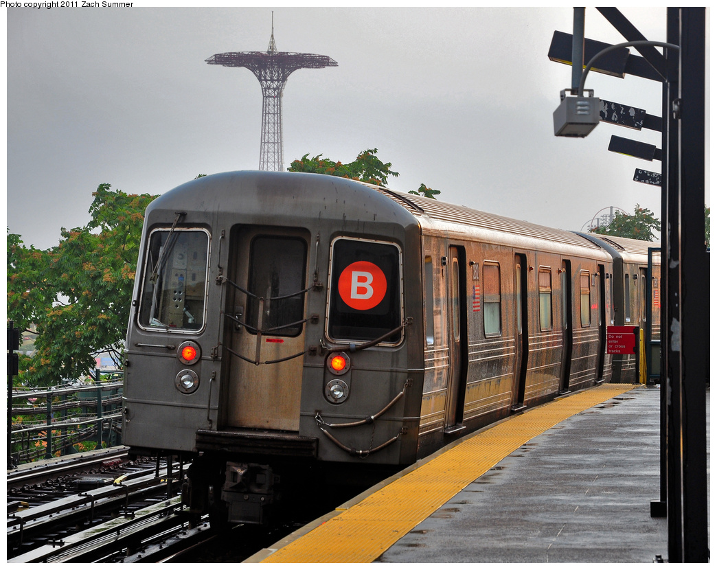 (425k, 1044x830)<br><b>Country:</b> United States<br><b>City:</b> New York<br><b>System:</b> New York City Transit<br><b>Line:</b> BMT Brighton Line<br><b>Location:</b> West 8th Street <br><b>Route:</b> B Yard Move<br><b>Car:</b> R-68 (Westinghouse-Amrail, 1986-1988)  2812 <br><b>Photo by:</b> Zach Summer<br><b>Date:</b> 7/29/2011<br><b>Viewed (this week/total):</b> 2 / 956