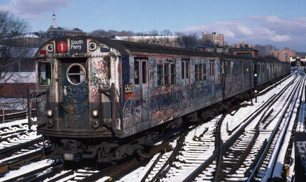 (85k, 1000x595)<br><b>Country:</b> United States<br><b>City:</b> New York<br><b>System:</b> New York City Transit<br><b>Line:</b> IRT West Side Line<br><b>Location:</b> 238th Street <br><b>Route:</b> 1<br><b>Car:</b> R-17 (St. Louis, 1955-56) 6560 <br><b>Photo by:</b> Robert Callahan<br><b>Date:</b> 1/5/1985<br><b>Viewed (this week/total):</b> 4 / 1283