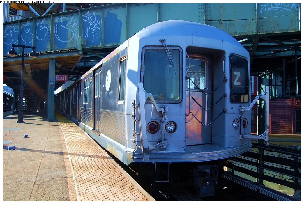 (362k, 1044x701)<br><b>Country:</b> United States<br><b>City:</b> New York<br><b>System:</b> New York City Transit<br><b>Line:</b> BMT Nassau Street/Jamaica Line<br><b>Location:</b> Broadway/East New York (Broadway Junction) <br><b>Car:</b> R-42 (St. Louis, 1969-1970)  4793 <br><b>Photo by:</b> John Dooley<br><b>Date:</b> 8/17/2011<br><b>Viewed (this week/total):</b> 1 / 782