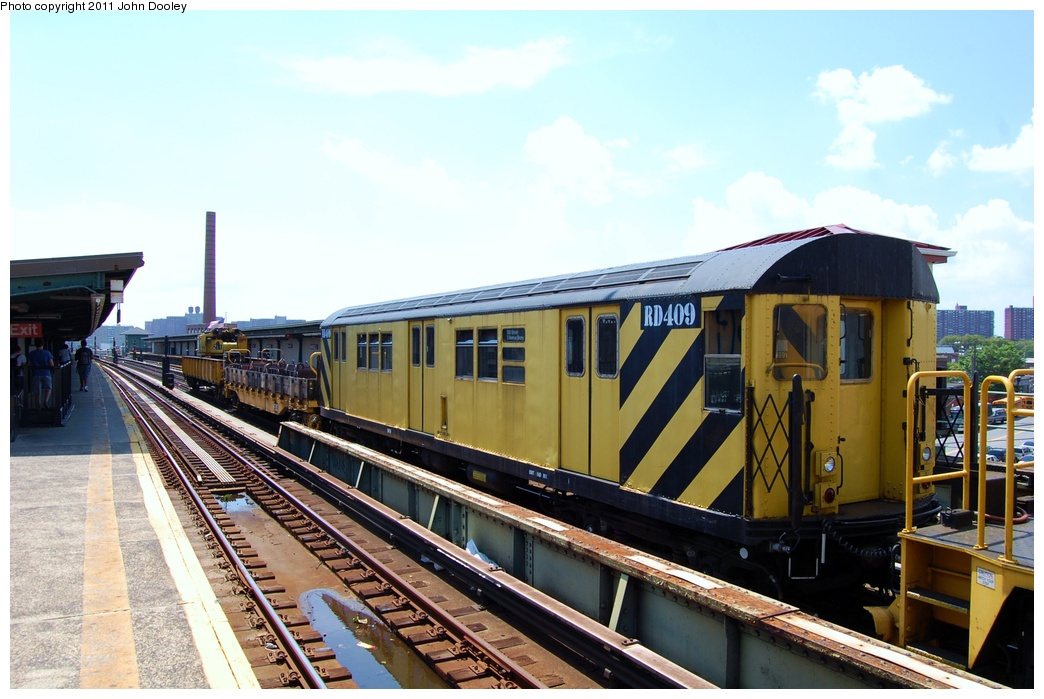 (299k, 1044x699)<br><b>Country:</b> United States<br><b>City:</b> New York<br><b>System:</b> New York City Transit<br><b>Line:</b> BMT Culver Line<br><b>Location:</b> Avenue X <br><b>Route:</b> Work Service<br><b>Car:</b> R-161 Rider Car (ex-R-33)  RD409 <br><b>Photo by:</b> John Dooley<br><b>Date:</b> 8/10/2011<br><b>Viewed (this week/total):</b> 1 / 162