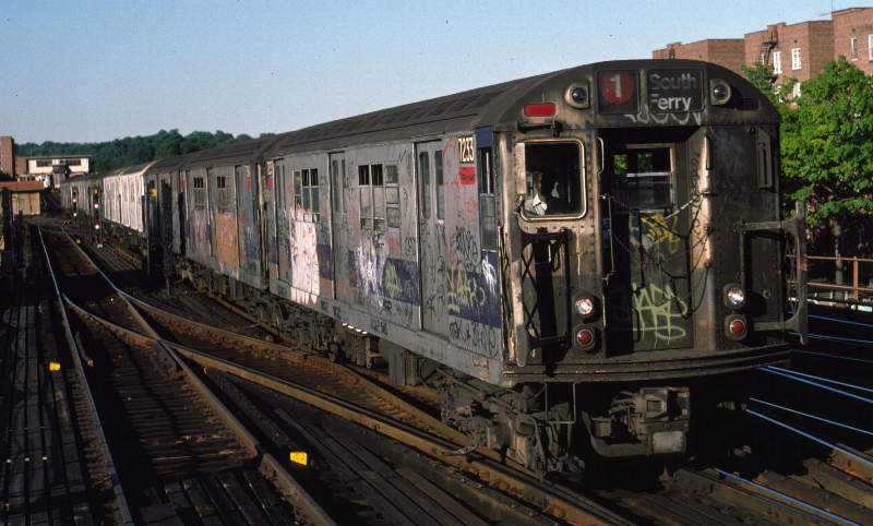 (60k, 800x482)<br><b>Country:</b> United States<br><b>City:</b> New York<br><b>System:</b> New York City Transit<br><b>Line:</b> IRT West Side Line<br><b>Location:</b> 238th Street <br><b>Route:</b> 1<br><b>Car:</b> R-21 (St. Louis, 1956-57) 7233 <br><b>Photo by:</b> Robert Callahan<br><b>Date:</b> 9/21/1984<br><b>Viewed (this week/total):</b> 0 / 856