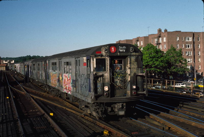 (67k, 800x541)<br><b>Country:</b> United States<br><b>City:</b> New York<br><b>System:</b> New York City Transit<br><b>Line:</b> IRT West Side Line<br><b>Location:</b> 238th Street <br><b>Route:</b> 1<br><b>Car:</b> R-22 (St. Louis, 1957-58) 7322 <br><b>Photo by:</b> Robert Callahan<br><b>Date:</b> 9/21/1984<br><b>Viewed (this week/total):</b> 2 / 295