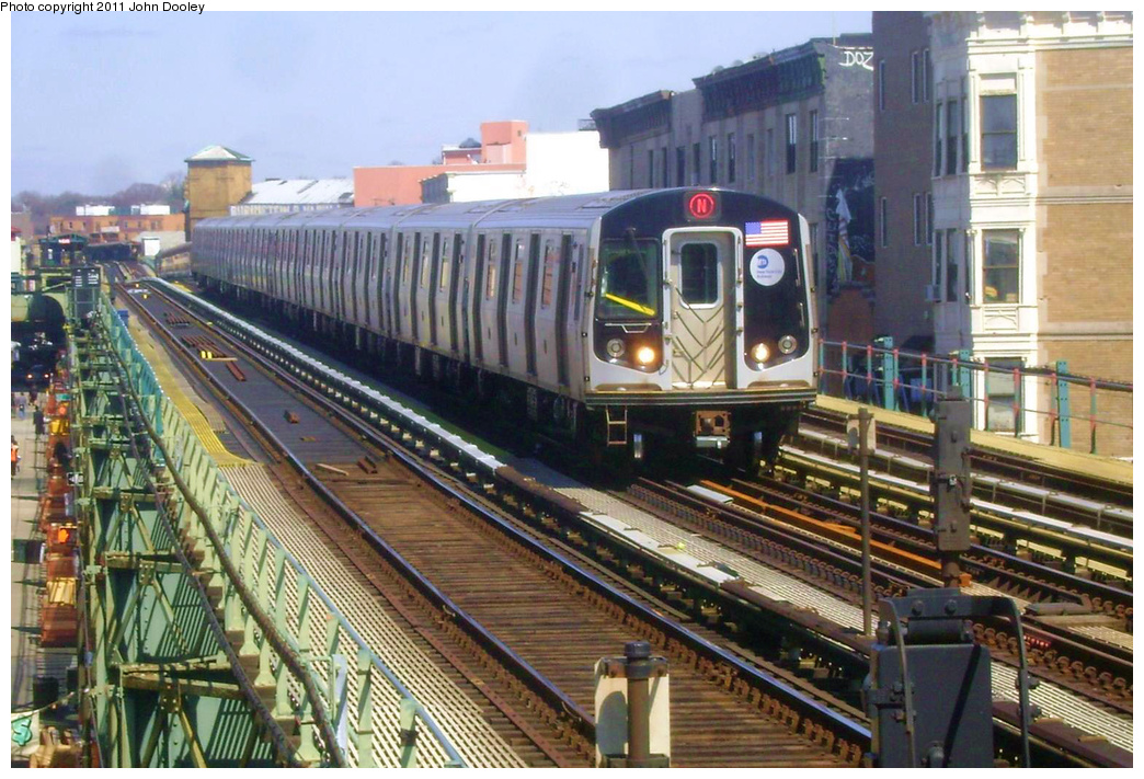 (404k, 1044x711)<br><b>Country:</b> United States<br><b>City:</b> New York<br><b>System:</b> New York City Transit<br><b>Line:</b> BMT West End Line<br><b>Location:</b> 55th Street <br><b>Route:</b> N reroute<br><b>Car:</b> R-160B (Option 1) (Kawasaki, 2008-2009)  9162 <br><b>Photo by:</b> John Dooley<br><b>Date:</b> 3/25/2011<br><b>Viewed (this week/total):</b> 0 / 482