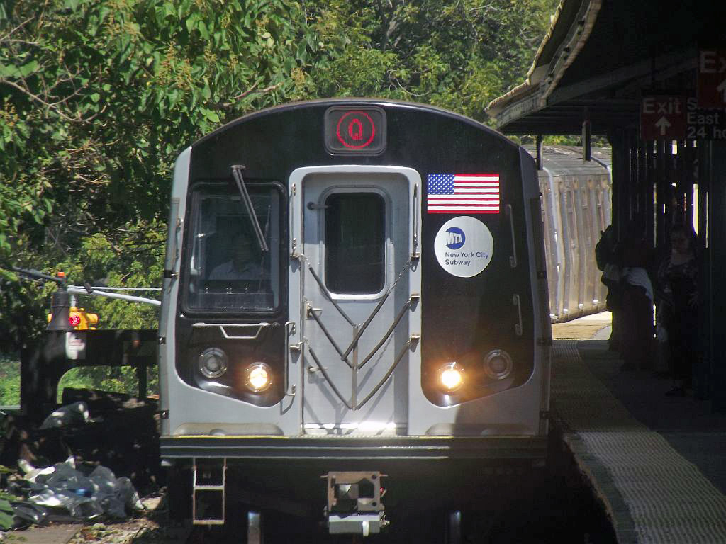(262k, 1024x768)<br><b>Country:</b> United States<br><b>City:</b> New York<br><b>System:</b> New York City Transit<br><b>Line:</b> BMT Brighton Line<br><b>Location:</b> Sheepshead Bay <br><b>Route:</b> Q<br><b>Car:</b> R-160A/R-160B Series (Number Unknown)  <br><b>Photo by:</b> Alize Jarrett<br><b>Date:</b> 8/31/2011<br><b>Viewed (this week/total):</b> 0 / 453