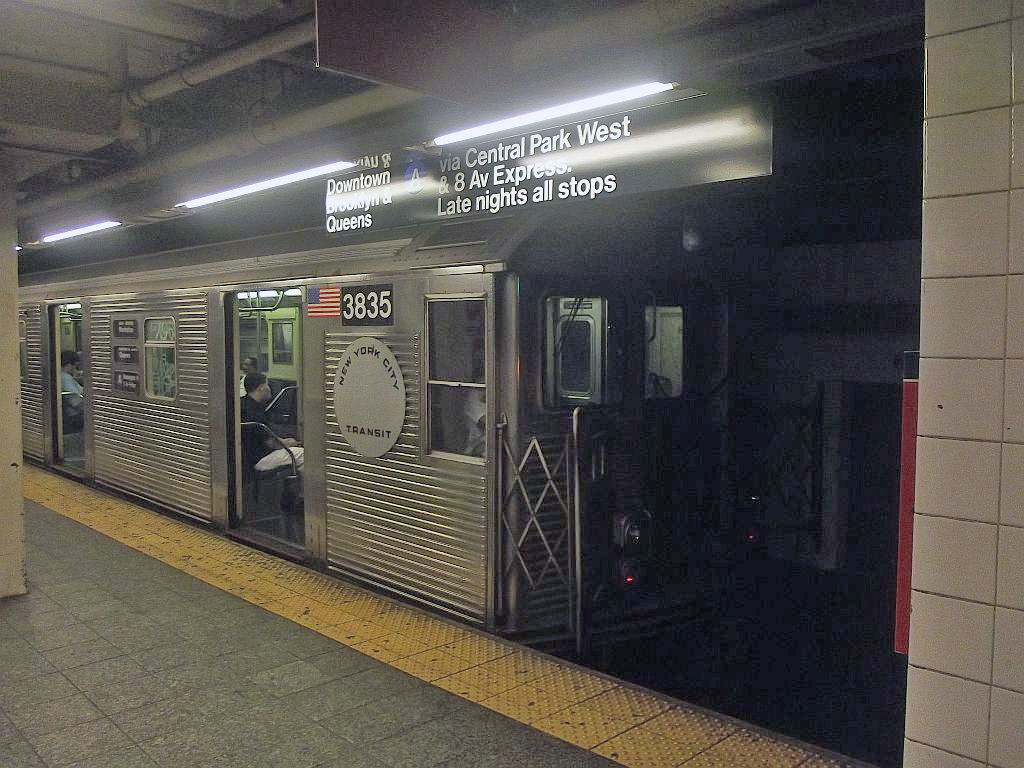 (249k, 1024x768)<br><b>Country:</b> United States<br><b>City:</b> New York<br><b>System:</b> New York City Transit<br><b>Line:</b> IND 8th Avenue Line<br><b>Location:</b> 207th Street <br><b>Route:</b> A<br><b>Car:</b> R-32 (Budd, 1964)  3835 <br><b>Photo by:</b> Alize Jarrett<br><b>Date:</b> 8/31/2011<br><b>Viewed (this week/total):</b> 1 / 543