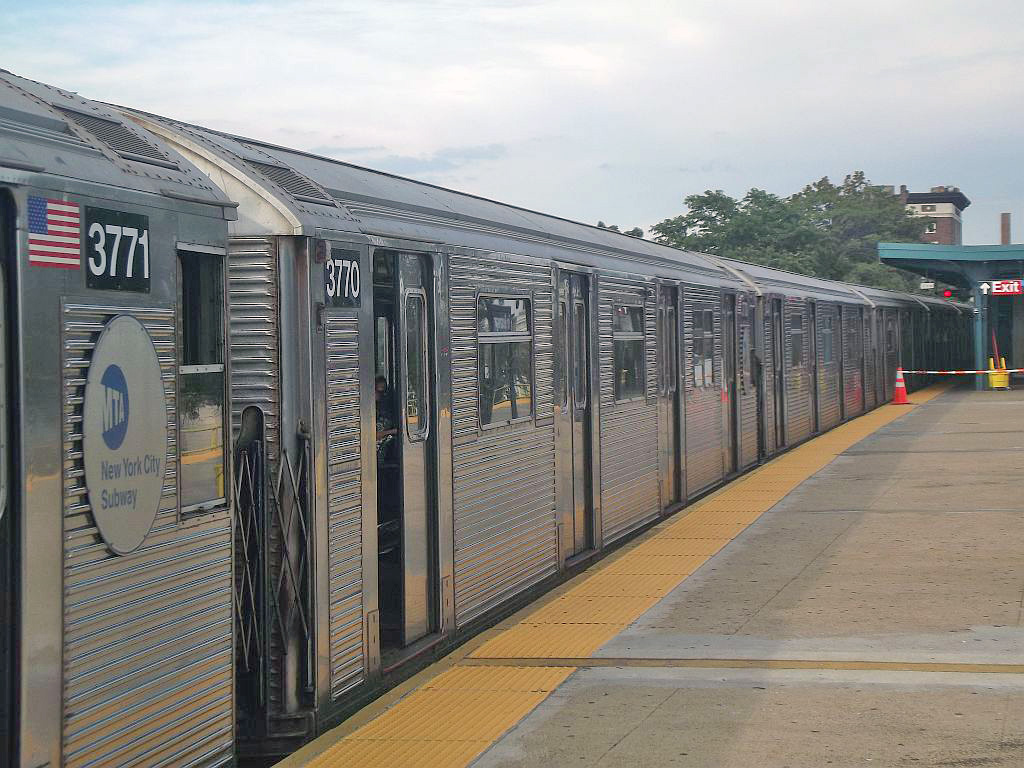 (269k, 1024x768)<br><b>Country:</b> United States<br><b>City:</b> New York<br><b>System:</b> New York City Transit<br><b>Line:</b> IND Rockaway<br><b>Location:</b> Mott Avenue/Far Rockaway <br><b>Route:</b> A<br><b>Car:</b> R-32 (Budd, 1964)  3770 <br><b>Photo by:</b> Alize Jarrett<br><b>Date:</b> 8/31/2011<br><b>Viewed (this week/total):</b> 3 / 687