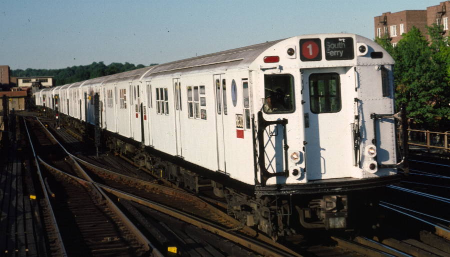 (68k, 900x515)<br><b>Country:</b> United States<br><b>City:</b> New York<br><b>System:</b> New York City Transit<br><b>Line:</b> IRT West Side Line<br><b>Location:</b> 238th Street <br><b>Route:</b> 1<br><b>Car:</b> R-29 (St. Louis, 1962) 8630 <br><b>Photo by:</b> Robert Callahan<br><b>Date:</b> 9/21/1984<br><b>Viewed (this week/total):</b> 0 / 796