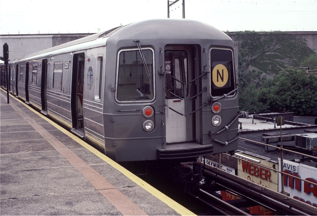 (208k, 1024x698)<br><b>Country:</b> United States<br><b>City:</b> New York<br><b>System:</b> New York City Transit<br><b>Line:</b> BMT Astoria Line<br><b>Location:</b> Ditmars Boulevard <br><b>Route:</b> N<br><b>Car:</b> R-68 (Westinghouse-Amrail, 1986-1988)  2557 <br><b>Photo by:</b> Doug Grotjahn<br><b>Collection of:</b> Joe Testagrose<br><b>Viewed (this week/total):</b> 3 / 1608