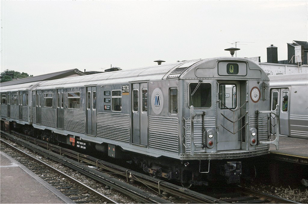 (274k, 1024x678)<br><b>Country:</b> United States<br><b>City:</b> New York<br><b>System:</b> New York City Transit<br><b>Line:</b> BMT Brighton Line<br><b>Location:</b> Kings Highway <br><b>Route:</b> Q<br><b>Car:</b> R-38 (St. Louis, 1966-1967)  3978 <br><b>Photo by:</b> Robert Montag<br><b>Collection of:</b> Joe Testagrose<br><b>Date:</b> 9/12/1989<br><b>Notes:</b> Note roll sign- 207th St-Brighton Beach. At time of photo 8th Ave subway was suffering an asbestos issue and A trains were rerouted to Brighton via 6th Ave.<br><b>Viewed (this week/total):</b> 1 / 1837