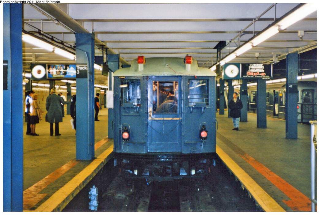 (398k, 1044x702)<br><b>Country:</b> United States<br><b>City:</b> New York<br><b>System:</b> New York City Transit<br><b>Line:</b> IRT Times Square-Grand Central Shuttle<br><b>Location:</b> Grand Central <br><b>Route:</b> Fan Trip<br><b>Car:</b> Low-V (Museum Train) 5292 <br><b>Photo by:</b> Mark S. Feinman<br><b>Date:</b> 10/27/1994<br><b>Notes:</b> 90th Anniversary service.<br><b>Viewed (this week/total):</b> 4 / 805