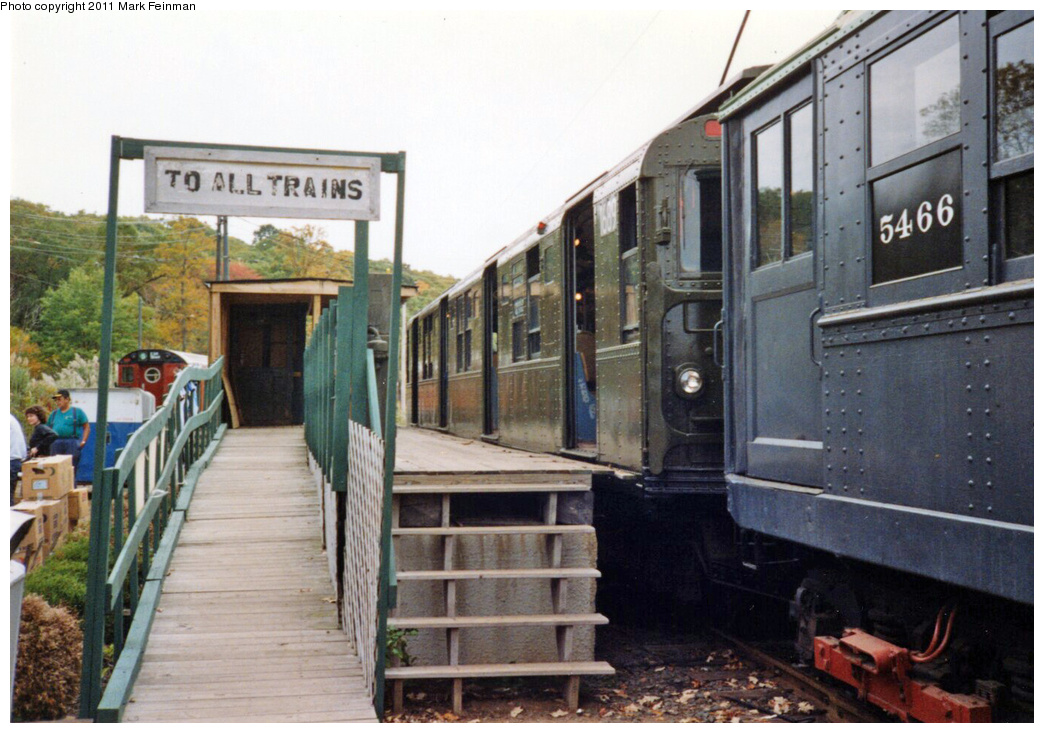 (351k, 1044x733)<br><b>Country:</b> United States<br><b>City:</b> East Haven/Branford, Ct.<br><b>System:</b> Shore Line Trolley Museum <br><b>Car:</b> R-9 (American Car & Foundry, 1940)  1689 <br><b>Photo by:</b> Mark S. Feinman<br><b>Date:</b> 10/8/1994<br><b>Viewed (this week/total):</b> 1 / 231