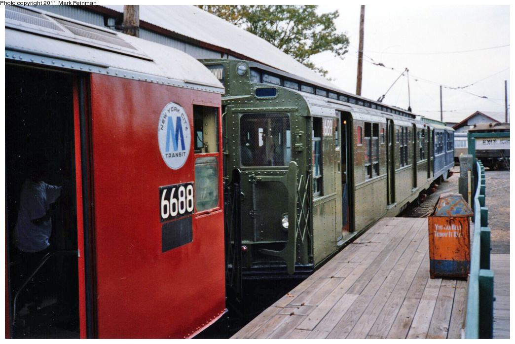 (339k, 1044x697)<br><b>Country:</b> United States<br><b>City:</b> East Haven/Branford, Ct.<br><b>System:</b> Shore Line Trolley Museum <br><b>Car:</b> R-9 (American Car & Foundry, 1940)  1689 <br><b>Photo by:</b> Mark S. Feinman<br><b>Date:</b> 10/8/1994<br><b>Viewed (this week/total):</b> 0 / 297