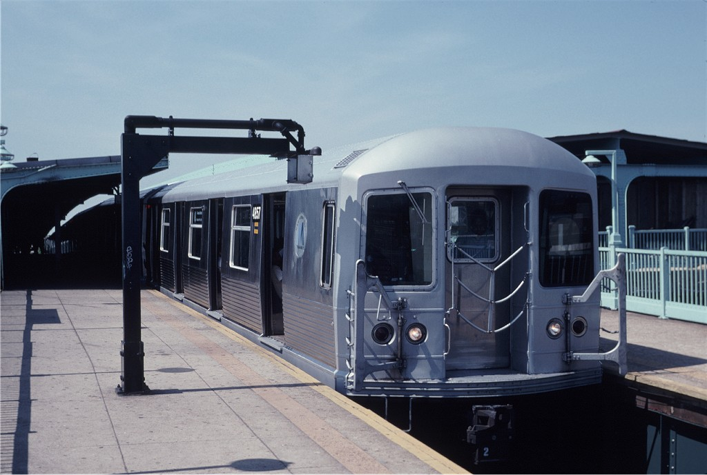 (148k, 1024x689)<br><b>Country:</b> United States<br><b>City:</b> New York<br><b>System:</b> New York City Transit<br><b>Line:</b> BMT Canarsie Line<br><b>Location:</b> Broadway Junction <br><b>Route:</b> L<br><b>Car:</b> R-42 (St. Louis, 1969-1970)  4857 <br><b>Photo by:</b> Eric Oszustowicz<br><b>Collection of:</b> Joe Testagrose<br><b>Date:</b> 6/1/1996<br><b>Viewed (this week/total):</b> 9 / 949
