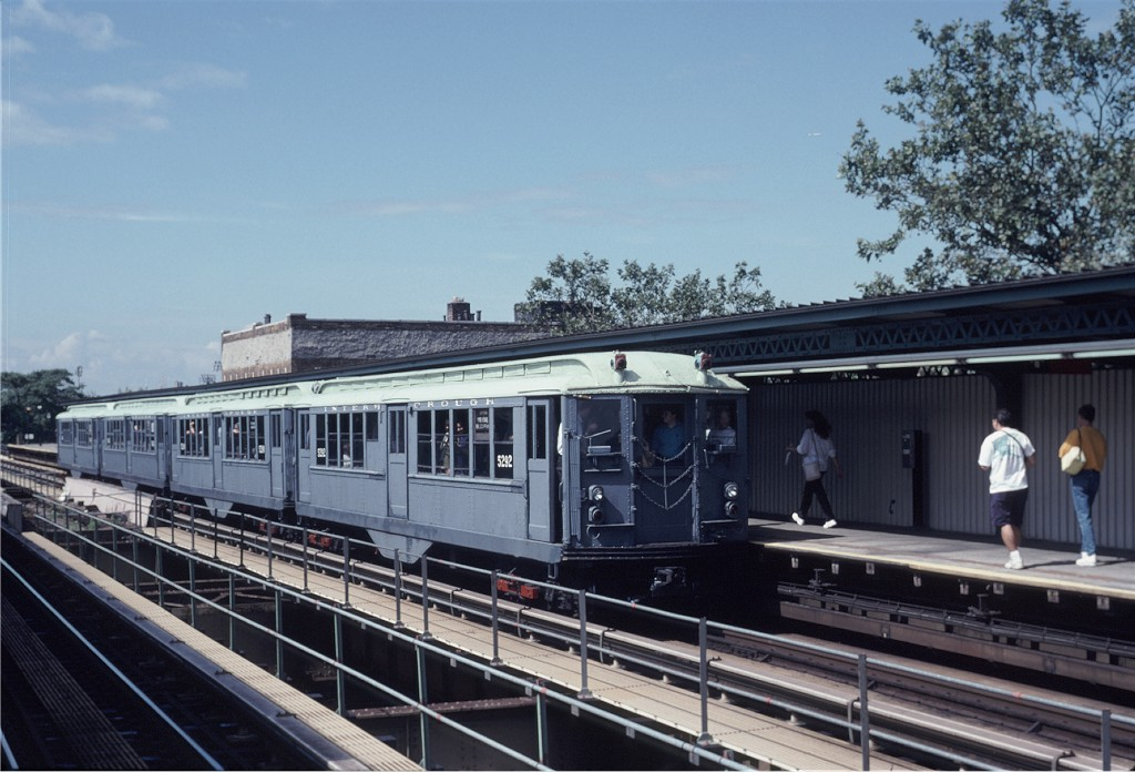 (181k, 1024x696)<br><b>Country:</b> United States<br><b>City:</b> New York<br><b>System:</b> New York City Transit<br><b>Line:</b> IRT Brooklyn Line<br><b>Location:</b> Rockaway Avenue <br><b>Route:</b> Fan Trip<br><b>Car:</b> Low-V (Museum Train) 5292 <br><b>Photo by:</b> Eric Oszustowicz<br><b>Collection of:</b> Joe Testagrose<br><b>Date:</b> 9/14/1997<br><b>Viewed (this week/total):</b> 1 / 453