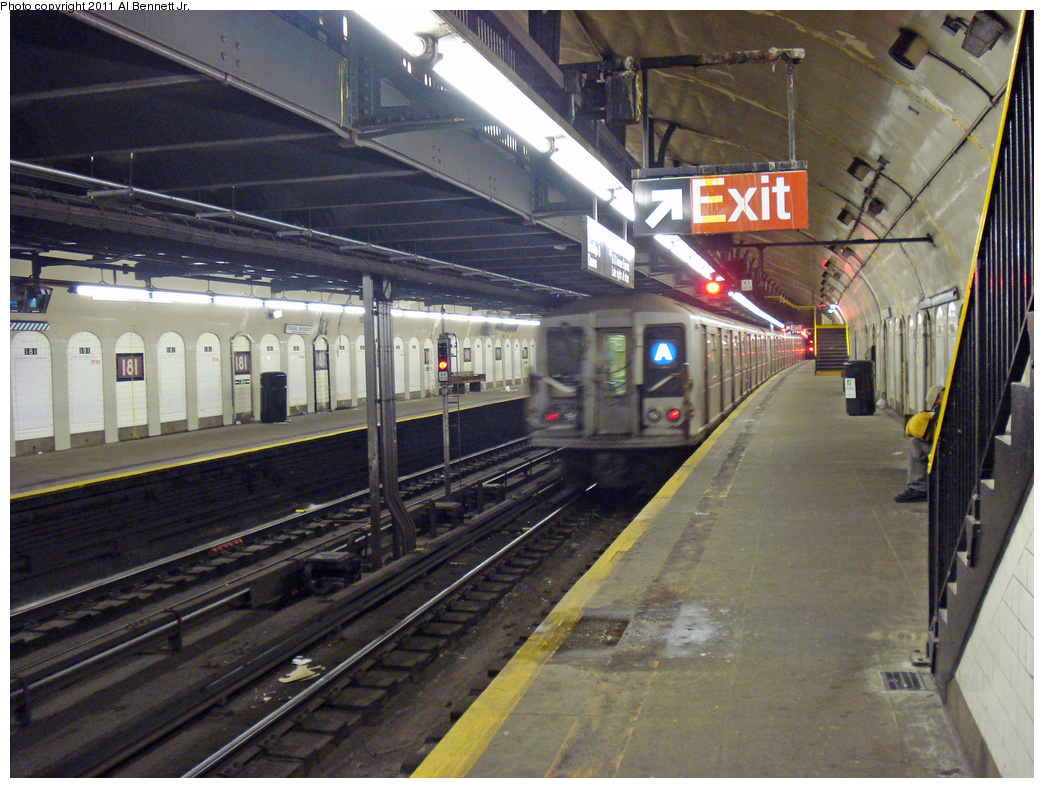 (552k, 1044x788)<br><b>Country:</b> United States<br><b>City:</b> New York<br><b>System:</b> New York City Transit<br><b>Line:</b> IND 8th Avenue Line<br><b>Location:</b> 181st Street <br><b>Route:</b> A<br><b>Car:</b> R-40 (St. Louis, 1968)   <br><b>Photo by:</b> Al Bennett, Jr.<br><b>Date:</b> 1/19/2009<br><b>Viewed (this week/total):</b> 8 / 1179