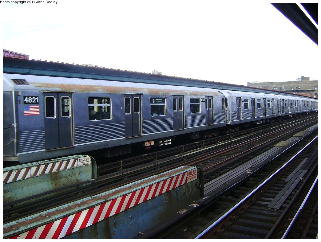 (317k, 1044x788)<br><b>Country:</b> United States<br><b>City:</b> New York<br><b>System:</b> New York City Transit<br><b>Line:</b> BMT Nassau Street/Jamaica Line<br><b>Location:</b> Flushing Avenue <br><b>Route:</b> Z<br><b>Car:</b> R-42 (St. Louis, 1969-1970)  4821 <br><b>Photo by:</b> John Dooley<br><b>Date:</b> 5/24/2011<br><b>Viewed (this week/total):</b> 2 / 654