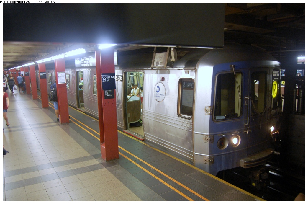 (265k, 1044x691)<br><b>Country:</b> United States<br><b>City:</b> New York<br><b>System:</b> New York City Transit<br><b>Line:</b> IND Queens Boulevard Line<br><b>Location:</b> Court Square/23rd St (Ely Avenue) <br><b>Route:</b> R<br><b>Car:</b> R-46 (Pullman-Standard, 1974-75) 5808 <br><b>Photo by:</b> John Dooley<br><b>Date:</b> 7/23/2011<br><b>Viewed (this week/total):</b> 2 / 1090