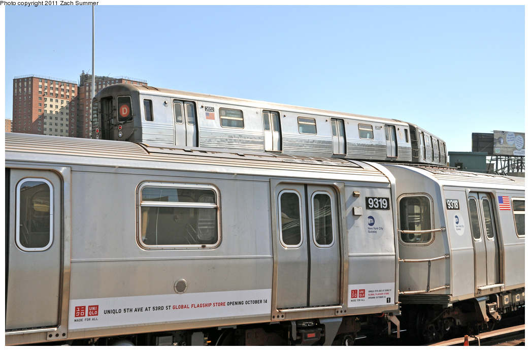 (306k, 1044x691)<br><b>Country:</b> United States<br><b>City:</b> New York<br><b>System:</b> New York City Transit<br><b>Location:</b> Coney Island/Stillwell Avenue<br><b>Route:</b> D<br><b>Car:</b> R-68 (Westinghouse-Amrail, 1986-1988)  2652 <br><b>Photo by:</b> Zach Summer<br><b>Date:</b> 10/9/2011<br><b>Notes:</b> Running Light via the Brighton Line<br><b>Viewed (this week/total):</b> 3 / 1704