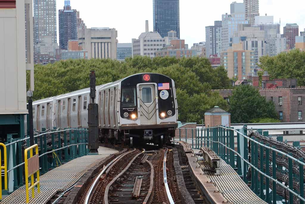(126k, 1024x683)<br><b>Country:</b> United States<br><b>City:</b> New York<br><b>System:</b> New York City Transit<br><b>Line:</b> BMT Astoria Line<br><b>Location:</b> Queensborough Plaza <br><b>Route:</b> N<br><b>Car:</b> R-160A/R-160B Series (Number Unknown)  <br><b>Photo by:</b> Richard Chase<br><b>Date:</b> 10/2/2011<br><b>Viewed (this week/total):</b> 1 / 493