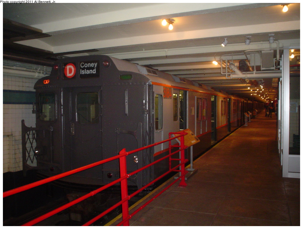 (287k, 1044x788)<br><b>Country:</b> United States<br><b>City:</b> New York<br><b>System:</b> New York City Transit<br><b>Location:</b> New York Transit Museum<br><b>Car:</b> R-10 (American Car & Foundry, 1948) 3184 <br><b>Photo by:</b> Al Bennett, Jr.<br><b>Date:</b> 10/9/2004<br><b>Viewed (this week/total):</b> 1 / 1462