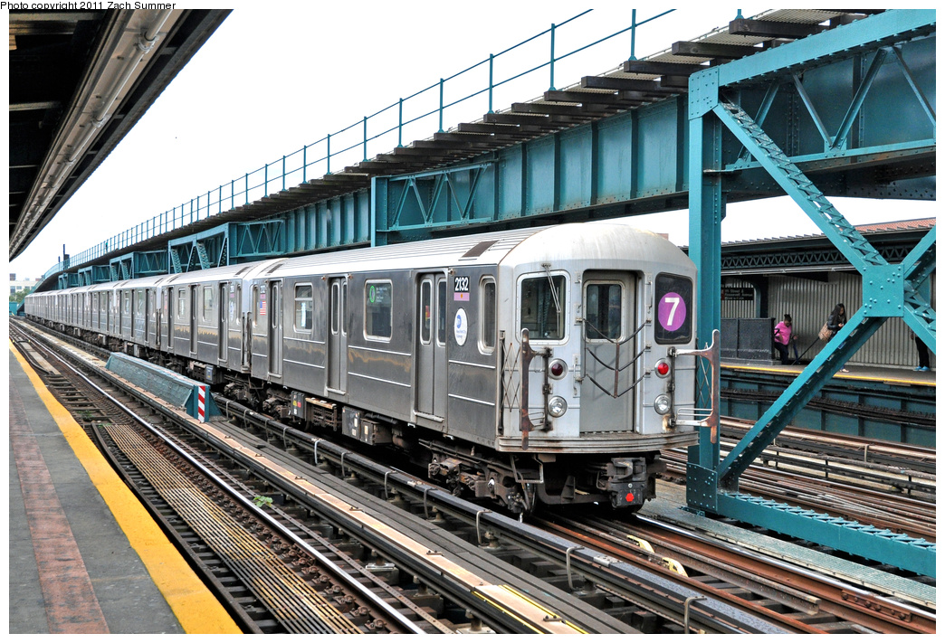 (470k, 1044x711)<br><b>Country:</b> United States<br><b>City:</b> New York<br><b>System:</b> New York City Transit<br><b>Line:</b> IRT Flushing Line<br><b>Location:</b> 111th Street <br><b>Route:</b> 7 Layup<br><b>Car:</b> R-62A (Bombardier, 1984-1987)  2132 <br><b>Photo by:</b> Zach Summer<br><b>Date:</b> 10/12/2011<br><b>Viewed (this week/total):</b> 0 / 948