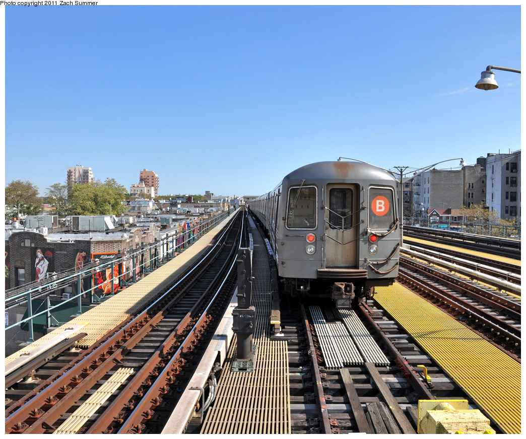 (509k, 1044x872)<br><b>Country:</b> United States<br><b>City:</b> New York<br><b>System:</b> New York City Transit<br><b>Line:</b> BMT Brighton Line<br><b>Location:</b> Ocean Parkway <br><b>Route:</b> B Layup<br><b>Car:</b> R-68A (Kawasaki, 1988-1989)  5098 <br><b>Photo by:</b> Zach Summer<br><b>Date:</b> 10/18/2011<br><b>Viewed (this week/total):</b> 0 / 321