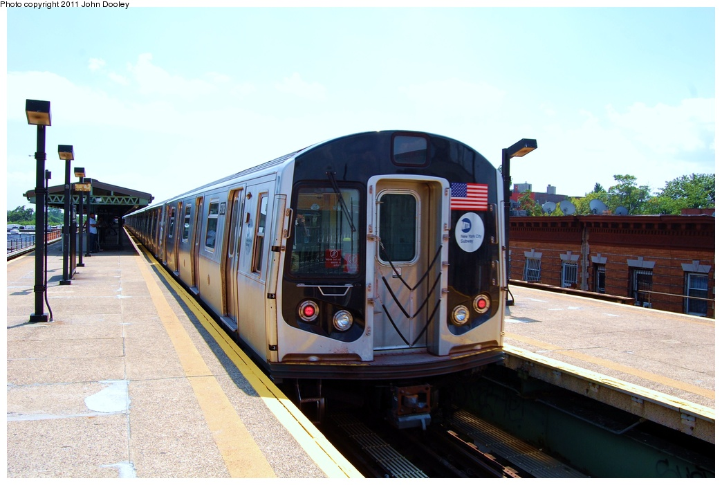 (281k, 1044x701)<br><b>Country:</b> United States<br><b>City:</b> New York<br><b>System:</b> New York City Transit<br><b>Line:</b> BMT Culver Line<br><b>Location:</b> 18th Avenue <br><b>Route:</b> F<br><b>Car:</b> R-160A (Option 2) (Alstom, 2009, 5-car sets)  9708 <br><b>Photo by:</b> John Dooley<br><b>Date:</b> 8/10/2011<br><b>Viewed (this week/total):</b> 0 / 301