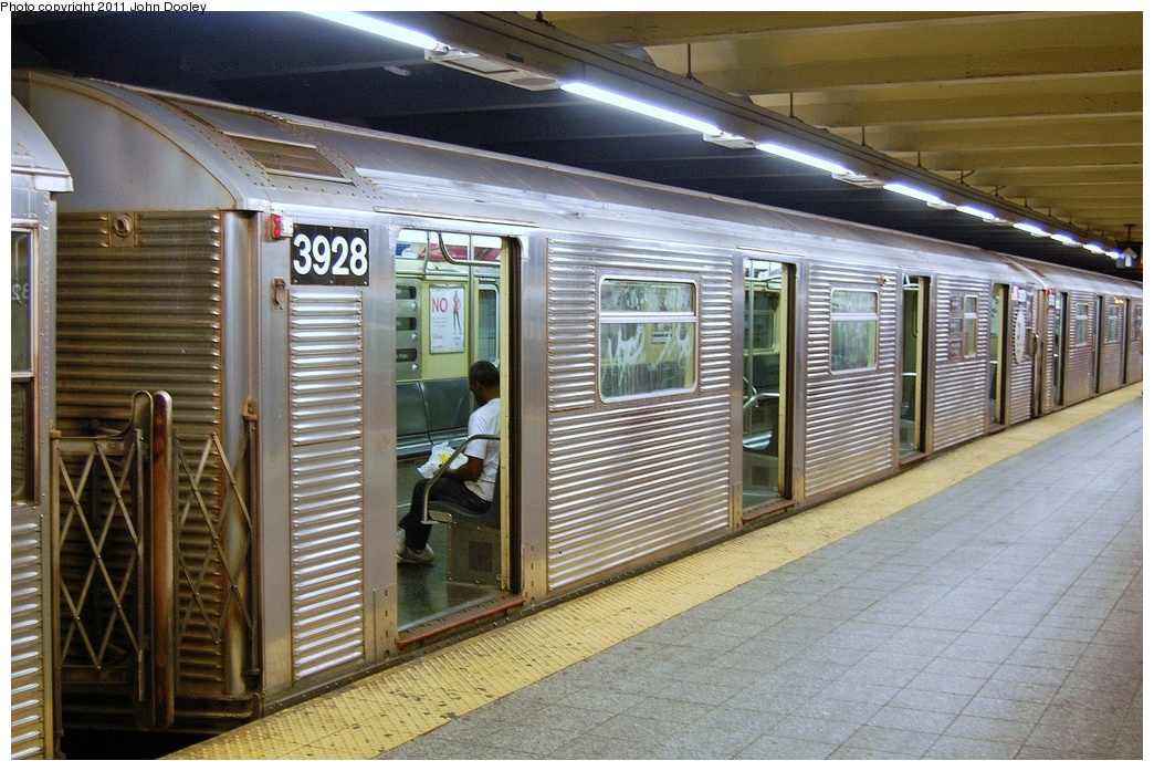 (367k, 1044x697)<br><b>Country:</b> United States<br><b>City:</b> New York<br><b>System:</b> New York City Transit<br><b>Line:</b> IND 8th Avenue Line<br><b>Location:</b> 207th Street <br><b>Route:</b> A<br><b>Car:</b> R-32 (Budd, 1964)  3928 <br><b>Photo by:</b> John Dooley<br><b>Date:</b> 8/15/2011<br><b>Viewed (this week/total):</b> 0 / 186