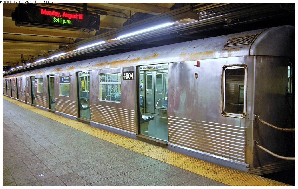 (364k, 1044x661)<br><b>Country:</b> United States<br><b>City:</b> New York<br><b>System:</b> New York City Transit<br><b>Line:</b> IND 8th Avenue Line<br><b>Location:</b> 207th Street <br><b>Route:</b> A<br><b>Car:</b> R-42 (St. Louis, 1969-1970)  4804 <br><b>Photo by:</b> John Dooley<br><b>Date:</b> 8/15/2011<br><b>Viewed (this week/total):</b> 1 / 310