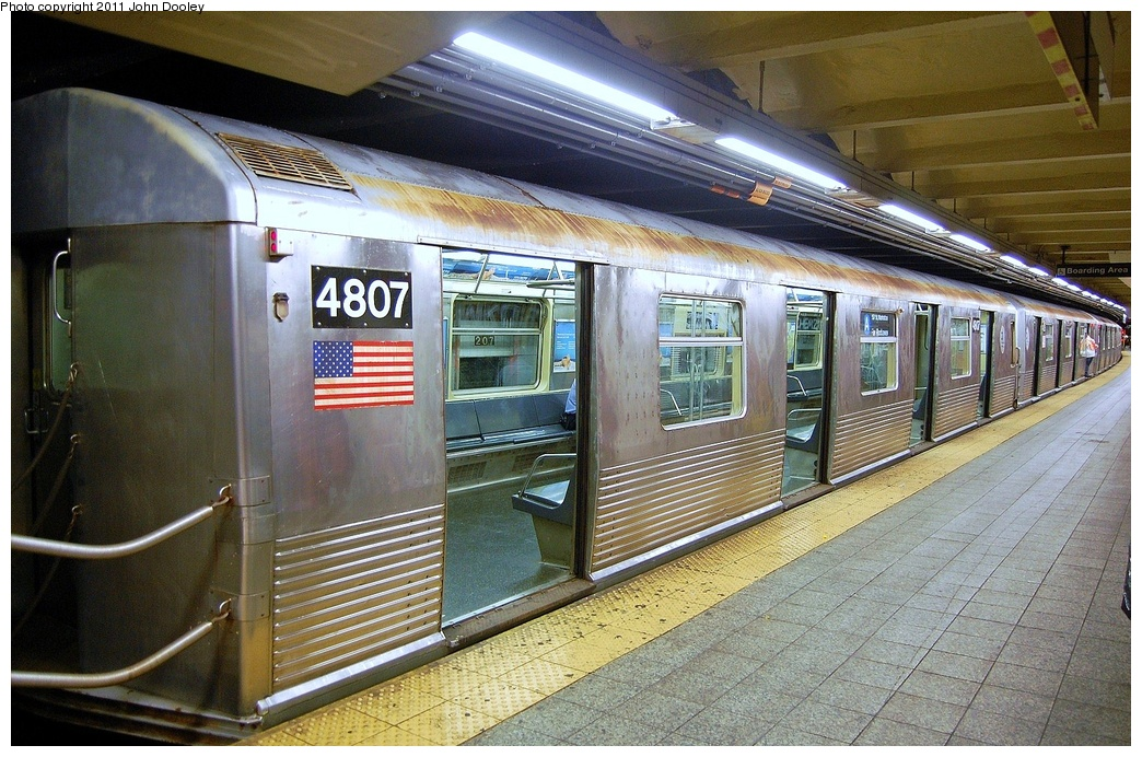 (391k, 1044x692)<br><b>Country:</b> United States<br><b>City:</b> New York<br><b>System:</b> New York City Transit<br><b>Line:</b> IND 8th Avenue Line<br><b>Location:</b> 207th Street <br><b>Route:</b> A<br><b>Car:</b> R-42 (St. Louis, 1969-1970)  4807 <br><b>Photo by:</b> John Dooley<br><b>Date:</b> 8/15/2011<br><b>Viewed (this week/total):</b> 4 / 252