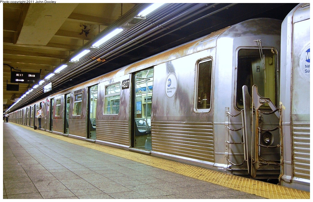 (399k, 1044x675)<br><b>Country:</b> United States<br><b>City:</b> New York<br><b>System:</b> New York City Transit<br><b>Line:</b> IND 8th Avenue Line<br><b>Location:</b> 207th Street <br><b>Route:</b> A<br><b>Car:</b> R-42 (St. Louis, 1969-1970)  4827 <br><b>Photo by:</b> John Dooley<br><b>Date:</b> 8/15/2011<br><b>Viewed (this week/total):</b> 0 / 308