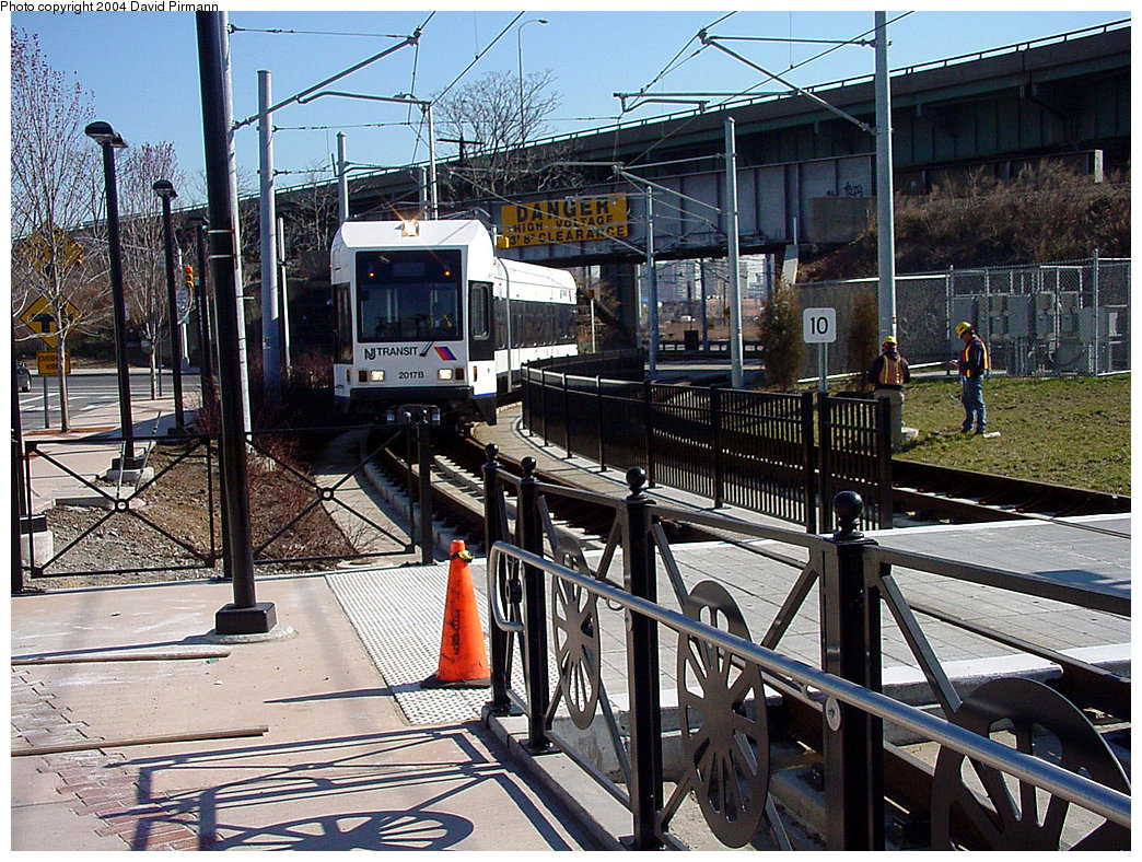 (355k, 1044x788)<br><b>Country:</b> United States<br><b>City:</b> Jersey City, NJ<br><b>System:</b> Hudson Bergen Light Rail<br><b>Location:</b> Liberty State Park <br><b>Car:</b> NJT-HBLR LRV (Kinki-Sharyo, 1998-99)  2017 <br><b>Photo by:</b> David Pirmann<br><b>Date:</b> 3/25/2000<br><b>Viewed (this week/total):</b> 0 / 2107