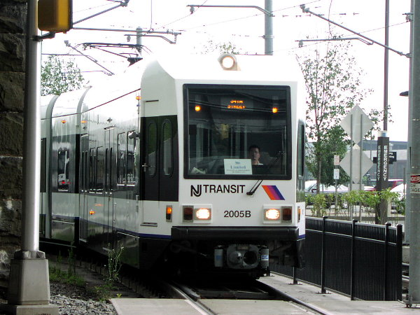 (84k, 600x450)<br><b>Country:</b> United States<br><b>City:</b> Jersey City, NJ<br><b>System:</b> Hudson Bergen Light Rail<br><b>Location:</b> Liberty State Park <br><b>Car:</b> NJT-HBLR LRV (Kinki-Sharyo, 1998-99)  2005 <br><b>Photo by:</b> Trevor Logan<br><b>Date:</b> 8/13/2001<br><b>Viewed (this week/total):</b> 0 / 2610