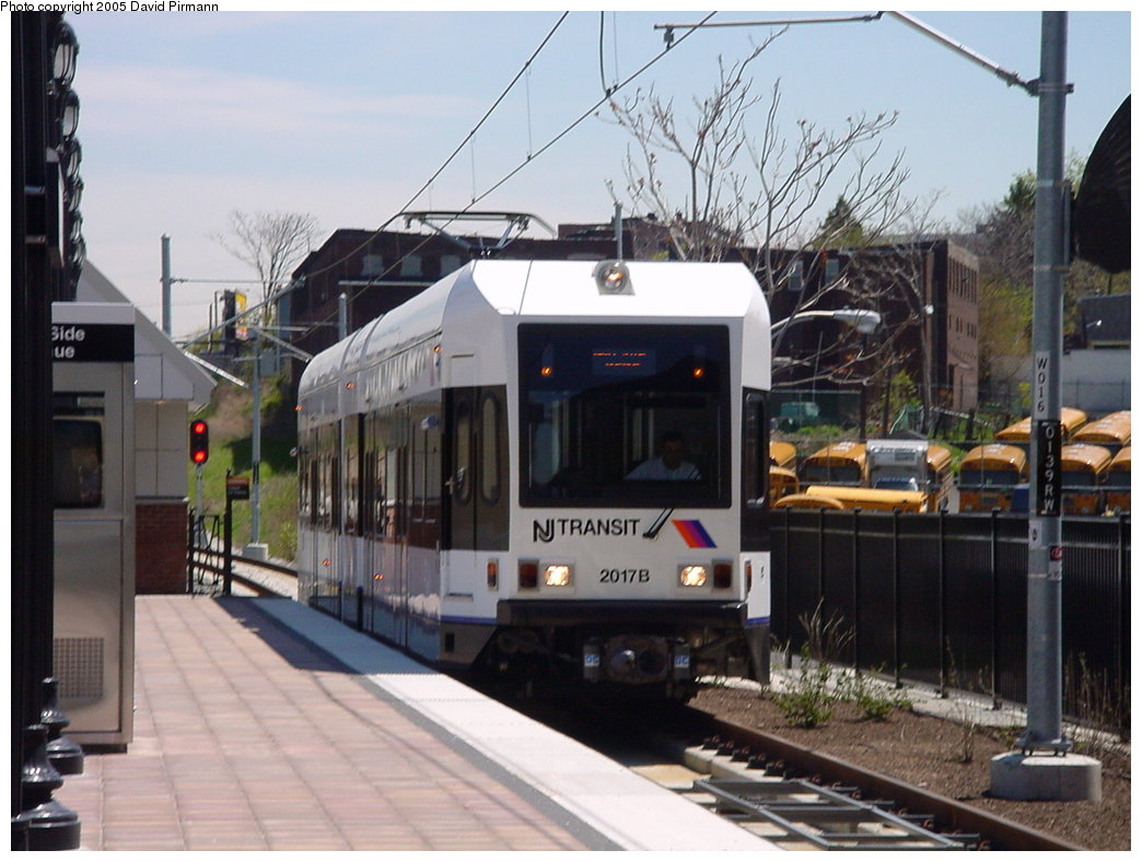 (165k, 1044x788)<br><b>Country:</b> United States<br><b>City:</b> Jersey City, NJ<br><b>System:</b> Hudson Bergen Light Rail<br><b>Location:</b> West Side Avenue <br><b>Car:</b> NJT-HBLR LRV (Kinki-Sharyo, 1998-99)  2017 <br><b>Photo by:</b> David Pirmann<br><b>Date:</b> 4/29/2000<br><b>Viewed (this week/total):</b> 0 / 3101