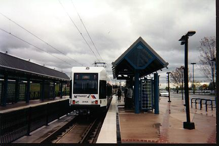 (21k, 432x288)<br><b>Country:</b> United States<br><b>City:</b> Jersey City, NJ<br><b>System:</b> Hudson Bergen Light Rail<br><b>Location:</b> Liberty State Park <br><b>Photo by:</b> Jose Soltren<br><b>Date:</b> 4/23/2000<br><b>Viewed (this week/total):</b> 2 / 2739