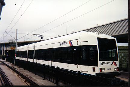 (21k, 432x288)<br><b>Country:</b> United States<br><b>City:</b> Jersey City, NJ<br><b>System:</b> Hudson Bergen Light Rail<br><b>Location:</b> Liberty State Park <br><b>Car:</b> NJT-HBLR LRV (Kinki-Sharyo, 1998-99)  2019 <br><b>Photo by:</b> Jose Soltren<br><b>Date:</b> 4/23/2000<br><b>Viewed (this week/total):</b> 1 / 2537