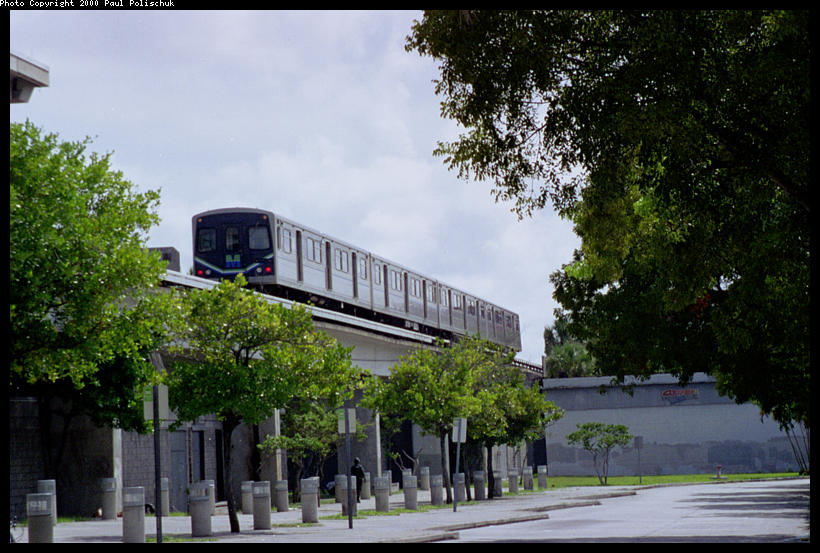 (103k, 820x553)<br><b>Country:</b> United States<br><b>City:</b> Miami, FL<br><b>System:</b> Miami Metrorail<br><b>Location:</b> Coconut Grove <br><b>Photo by:</b> Paul Polischuk<br><b>Date:</b> 8/2000<br><b>Viewed (this week/total):</b> 0 / 3566