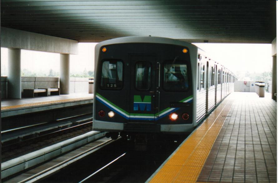 (65k, 890x586)<br><b>Country:</b> United States<br><b>City:</b> Miami, FL<br><b>System:</b> Miami Metrorail<br><b>Location:</b> Tri-Rail <br><b>Photo by:</b> Bob Pickering<br><b>Date:</b> 8/1/1993<br><b>Viewed (this week/total):</b> 4 / 4441