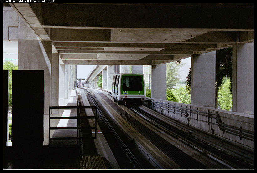 (75k, 820x553)<br><b>Country:</b> United States<br><b>City:</b> Miami, FL<br><b>System:</b> Miami Metromover<br><b>Location:</b> Government Center <br><b>Photo by:</b> Paul Polischuk<br><b>Date:</b> 8/2000<br><b>Viewed (this week/total):</b> 0 / 3241